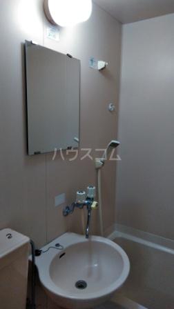 ライフピアひまわり 00102号室の洗面所