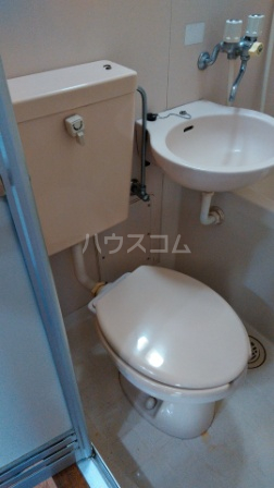 ライフピアひまわり 00102号室のトイレ