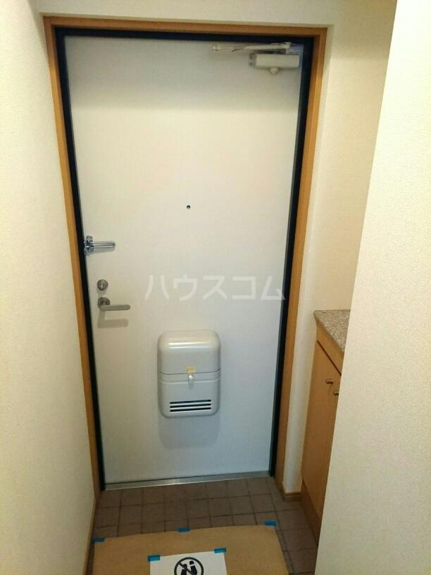 シャポー・ドゥ・パイユ 03020号室の玄関