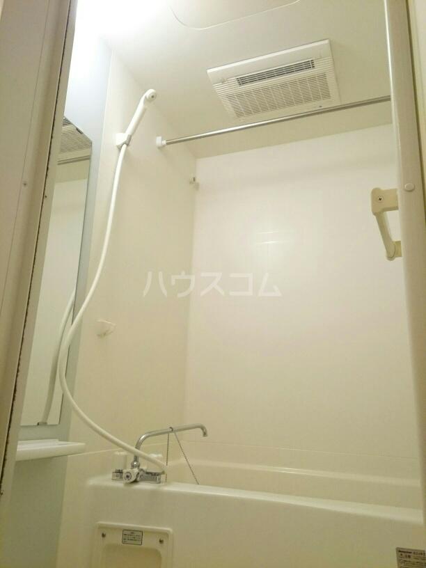 シャポー・ドゥ・パイユ 03020号室の風呂