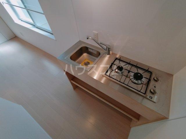「ピッコロッカ 新小岩」 3-B号室のキッチン