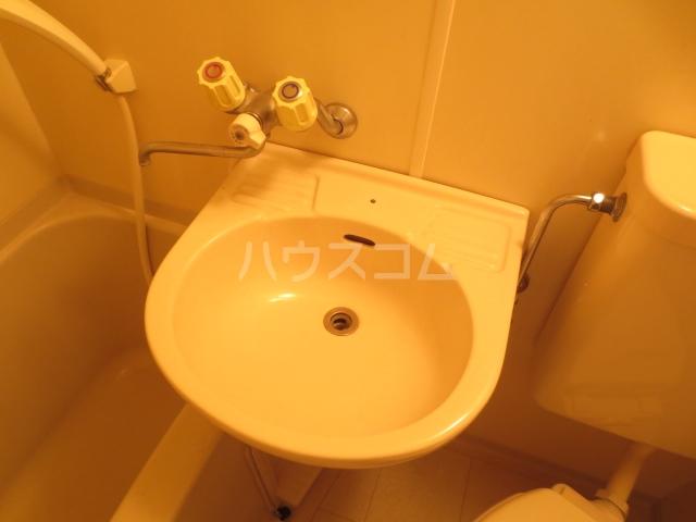 サクラハイツ 104号室の洗面所