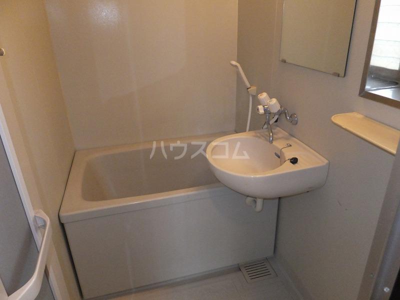 石井コーポ(大泉) 201号室の風呂