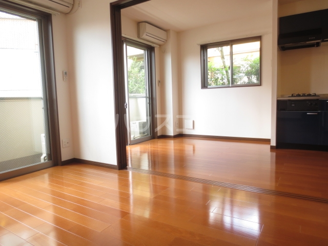 Nameki Mansion 101号室のリビング