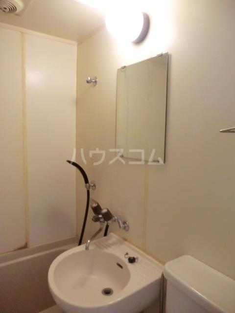 ハイツフリーダムⅠ 121号室の洗面所