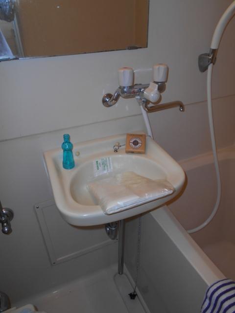 今氏ビル 201号室の洗面所