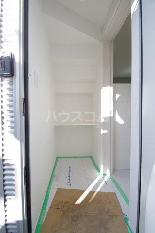 ヒルサイドレジデンス 1-A号室の玄関
