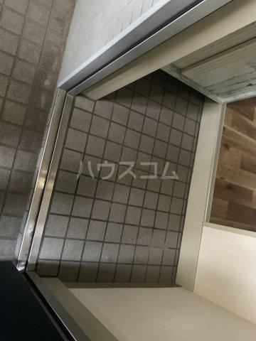 コットンハイム 202号室の玄関