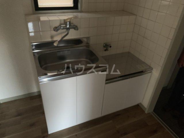 コットンハイム 202号室のキッチン