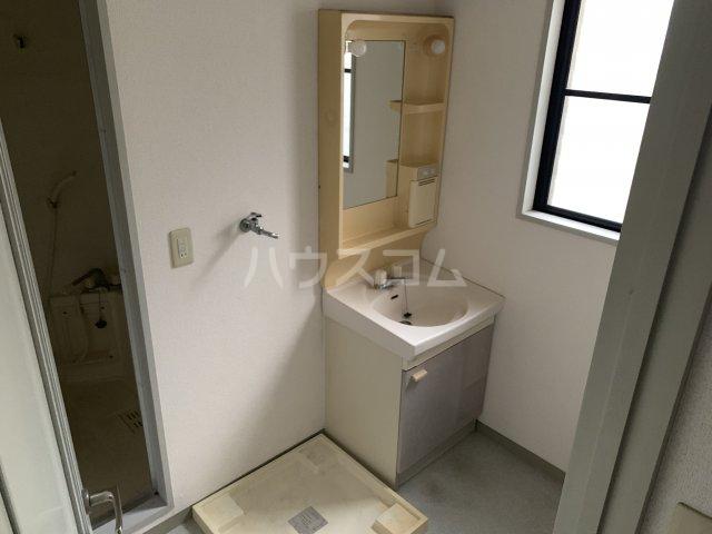 コットンハイム 202号室の洗面所