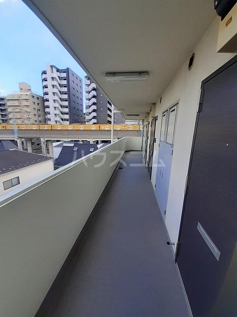日神パレス桜台 504号室のバルコニー