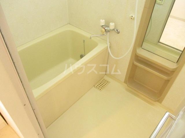 グランディール 壱番館 203号室の風呂