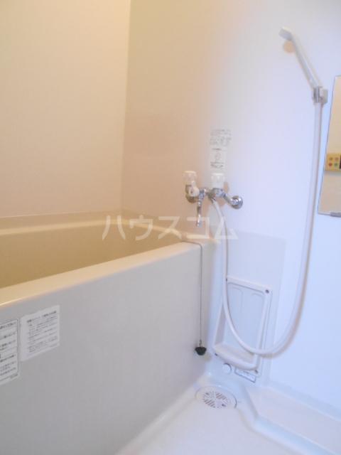 キャッスルロード芝 102号室の風呂