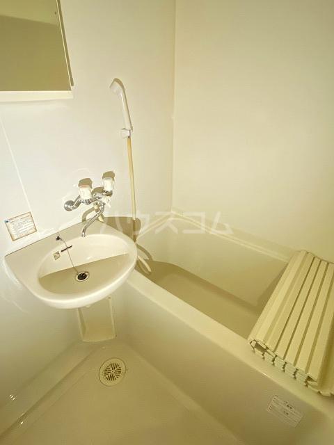 アネックスアカネ 202号室の風呂