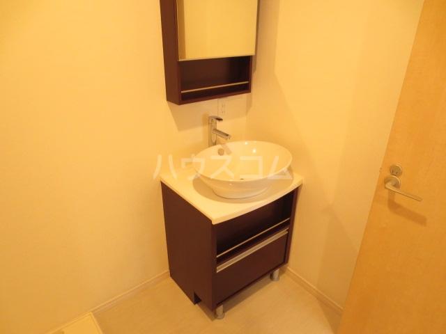 リブリ・貝塚 103号室の洗面所