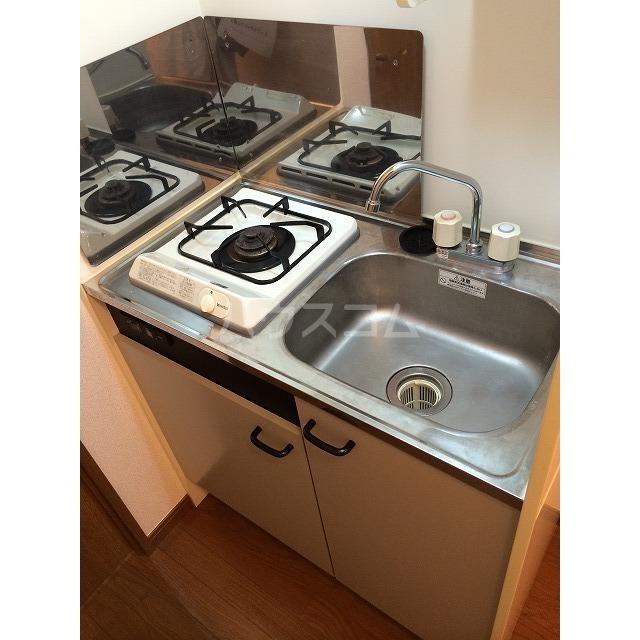 アムール小松 201号室のキッチン