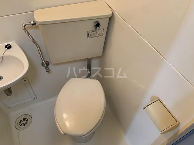 ジョイフル池袋要町 107号室のトイレ