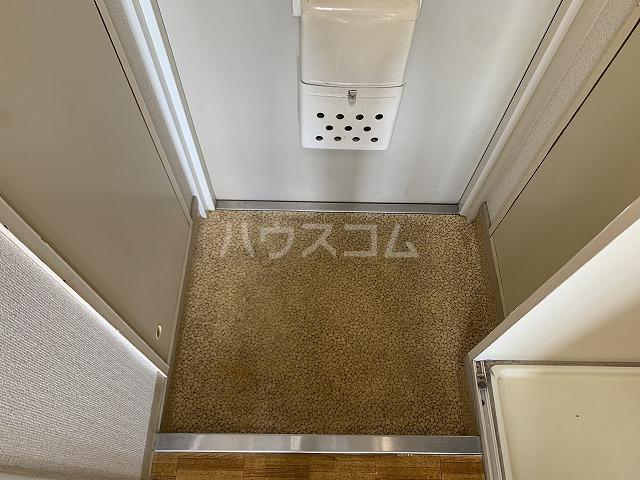 ジョイフル池袋要町 107号室の玄関