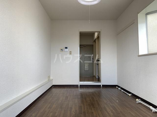ジョイフル池袋要町 303号室の居室
