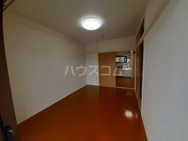 豊島園ビル 4F-B号室の居室