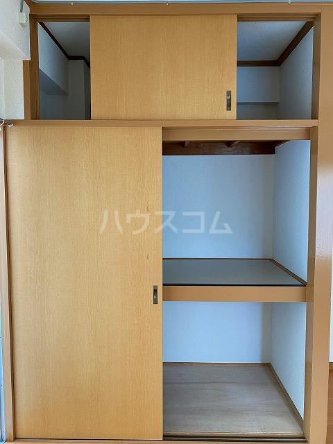 小梅マンション 203号室の収納