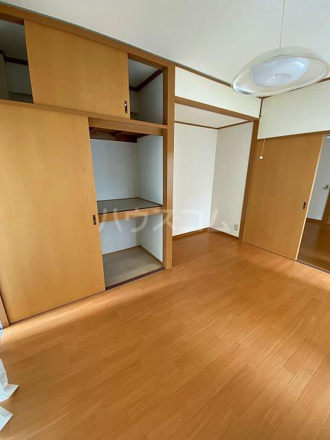 小梅マンション 203号室の居室