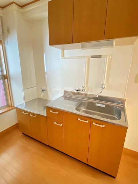 小梅マンション 203号室のキッチン