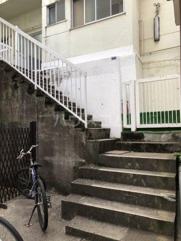 広瀬アパート 101号室のエントランス