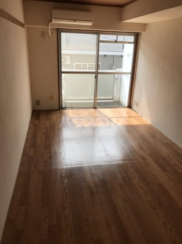 高田馬場リハイム 311号室のリビング