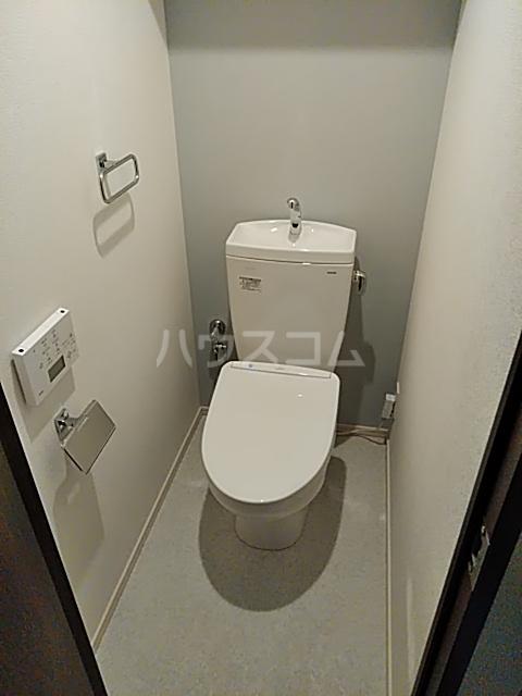 GRAVEL池袋WEST 102号室のトイレ