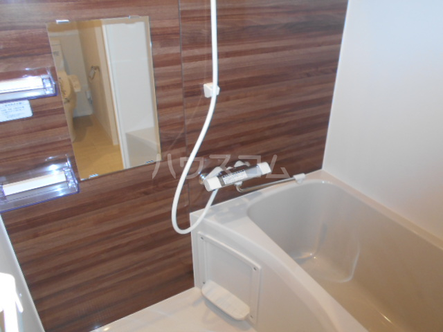 CELESTE北町 103号室の風呂