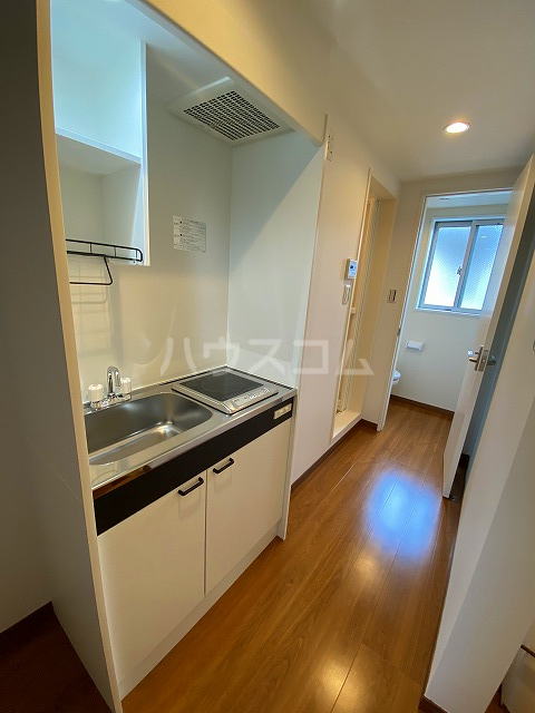 IKフラット4 207号室のキッチン
