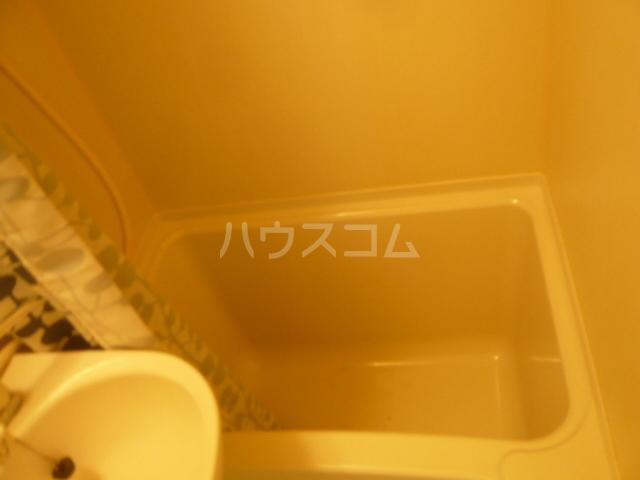 メゾンフジ 201号室の風呂