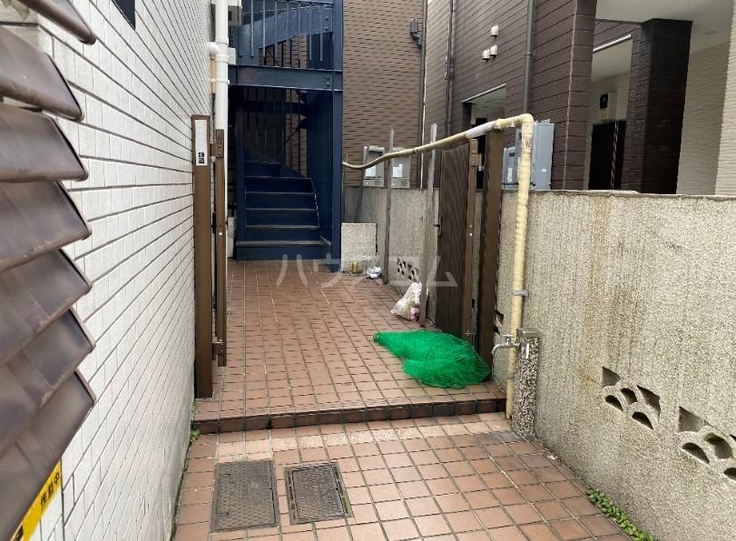 コンフォート椎名町 202号室のエントランス