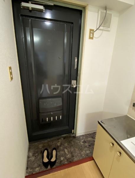 コンフォート椎名町 202号室の玄関
