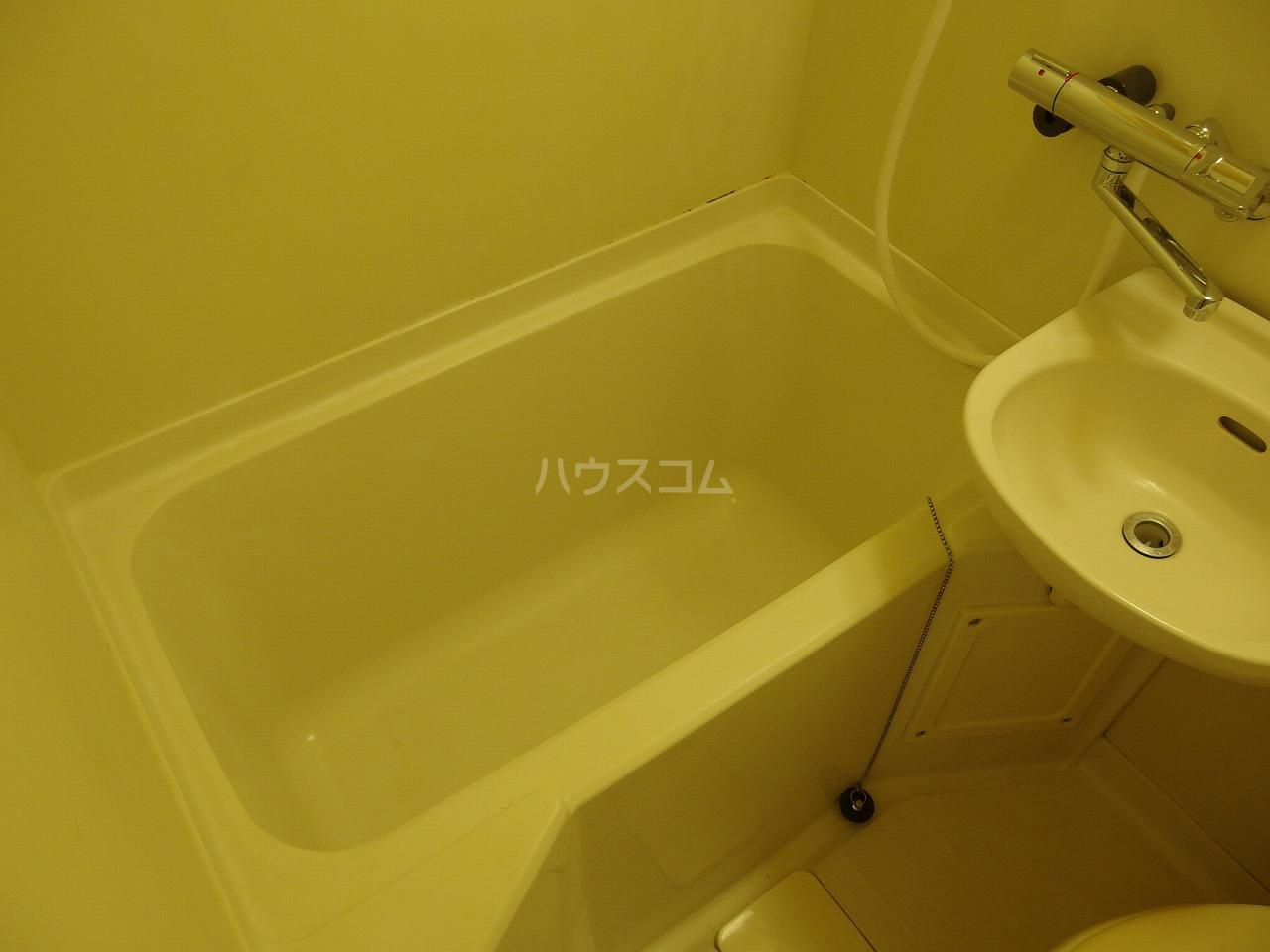 コーポイズミ 206号室の風呂