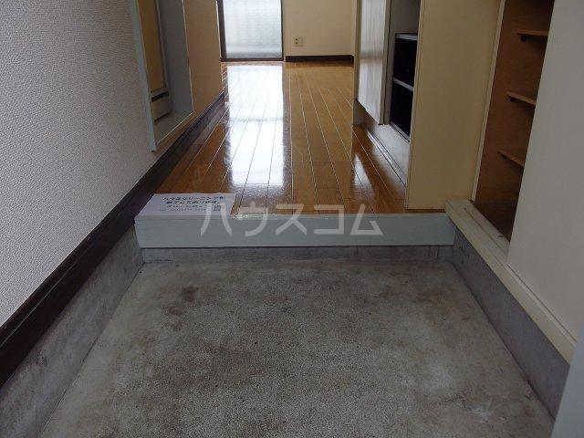 コーポイズミ 206号室の玄関