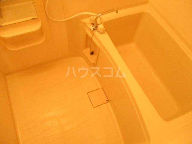 ラヴェニュ D 202号室の風呂
