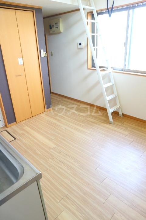 リバーウインド 102号室の居室