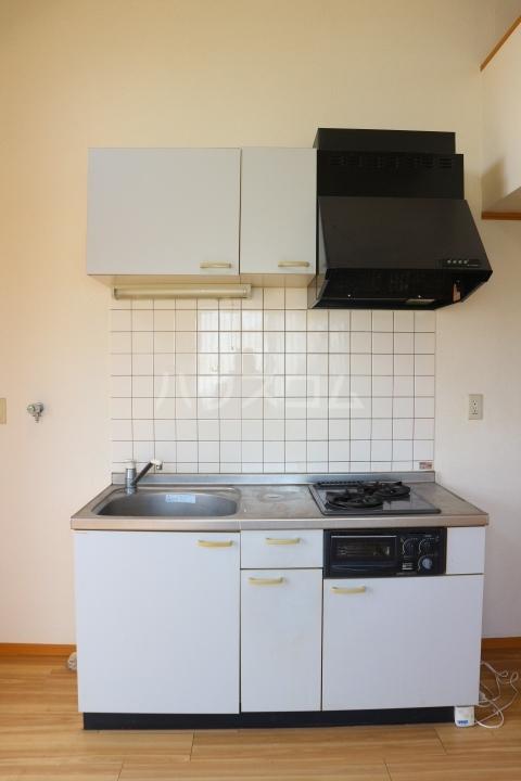 リバーウインド 102号室のキッチン