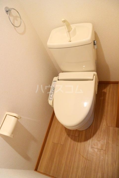 リバーウインド 102号室のトイレ