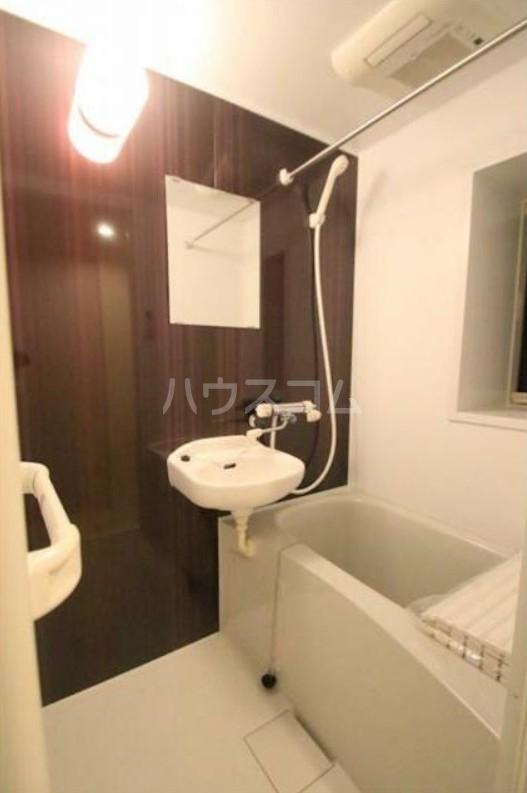 サヤ東池袋 102号室の風呂