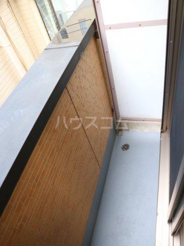 スマイルコート 202号室のバルコニー
