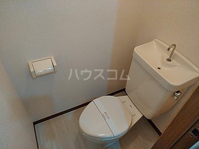 メゾンシエール 106号室のトイレ