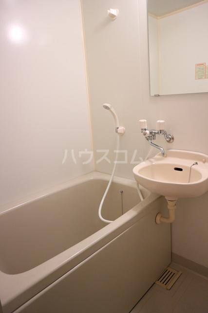レグルス 201号室の風呂