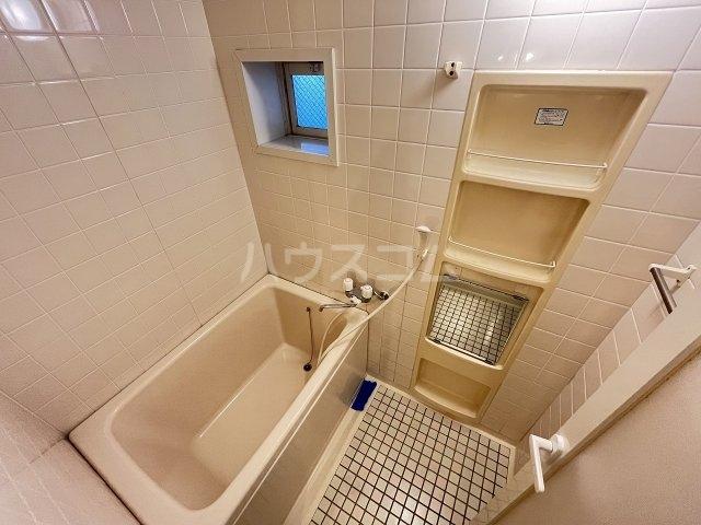 メゾンローザンヌ 102号室の風呂