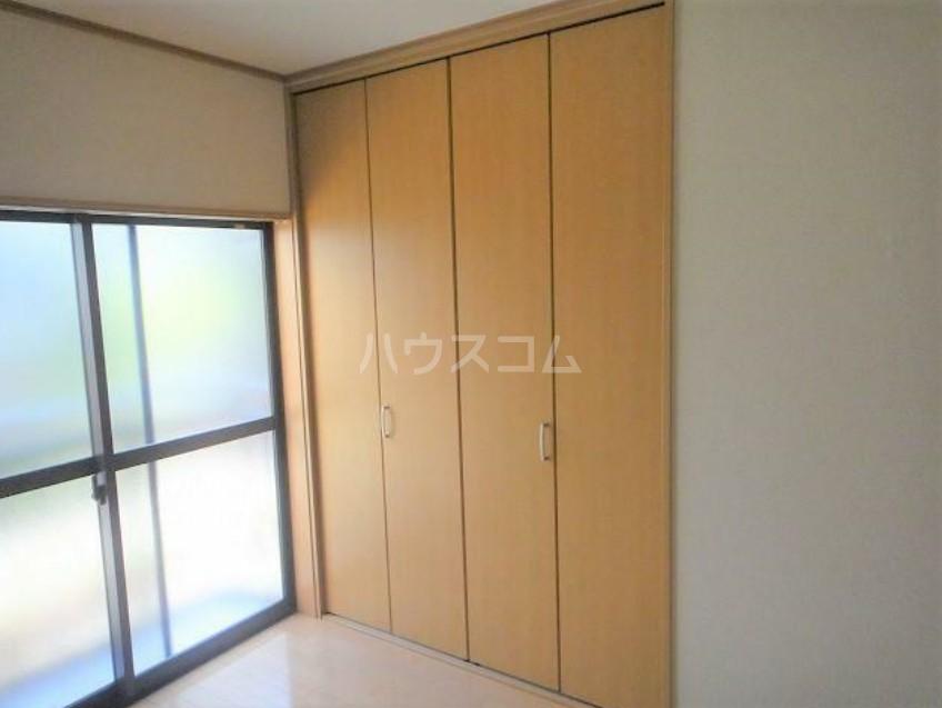 S・Kコーポ 105号室の玄関