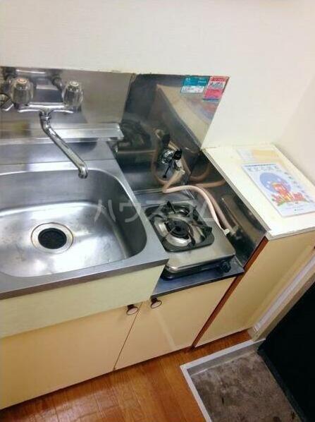 カオパレスNo.8 202号室のキッチン