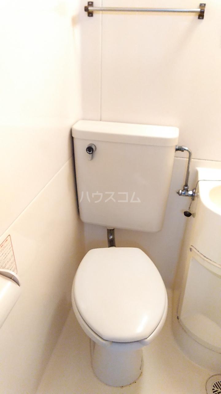 サンフラット羽沢 206号室のトイレ