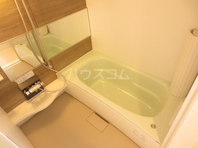 コーポスカイG 106号室の風呂